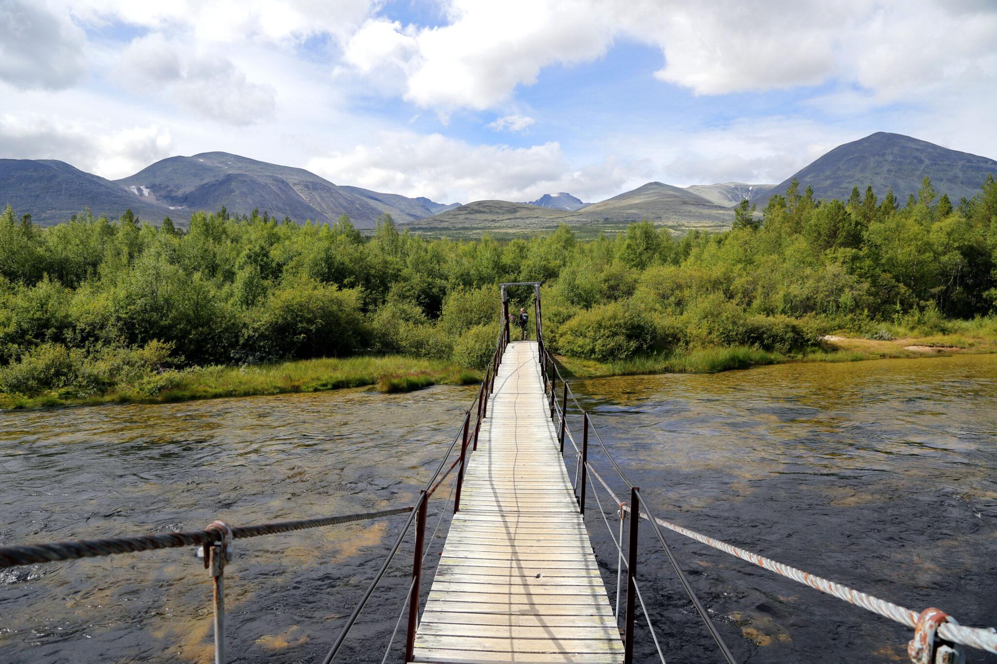 Rondanes høyeste topp, Rondslottet, er ute av lista over de høyeste toppene i fylkene.
