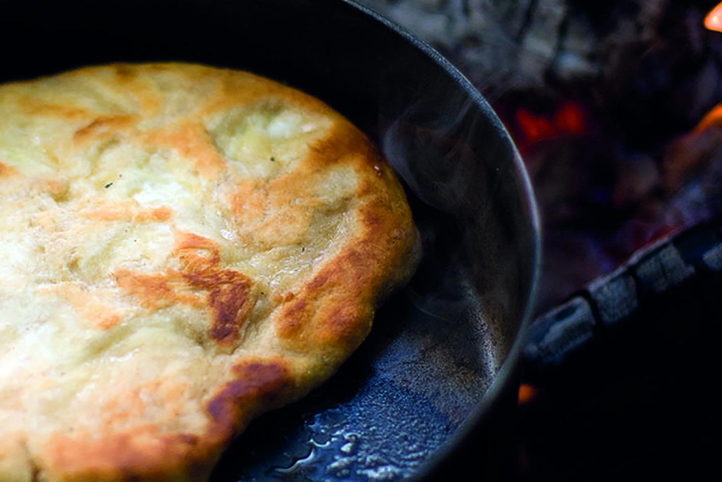 Chapati, indisk brød stekt i panne.